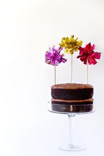 diy-fringe-mylar-cake-toppers